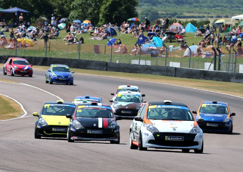 SNETTERTON MARKS NEXT CHAPTER IN MICHELIN CLIO CUP SERIES TITLE RACE