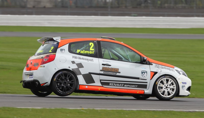 BEN PALMER AND NIC HARRISON TAKE 2017 MICHELIN CLIO CUP SERIES TITLE GLORY - Click here to view this news entry