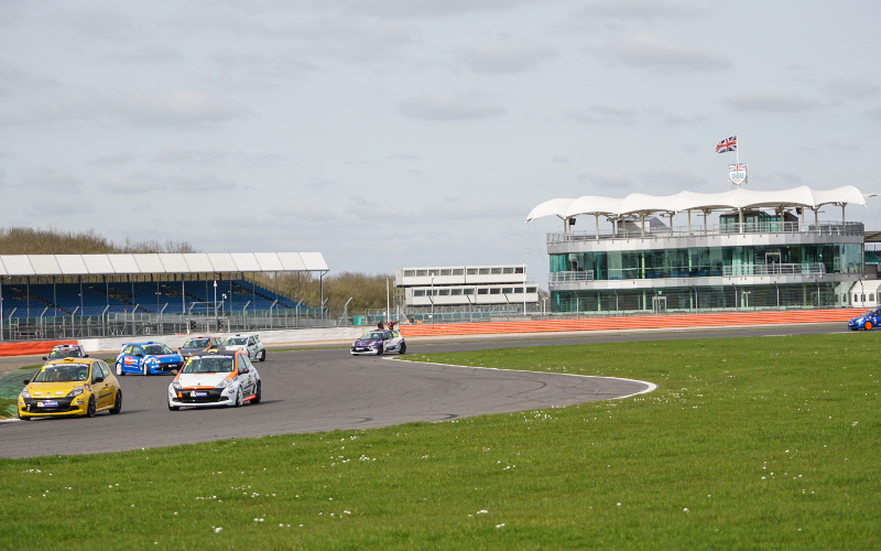 SEASON-HIGH SEVENTEEN CAR ENTRY FOR SILVERSTONE FINALE - Click here to view this news entry