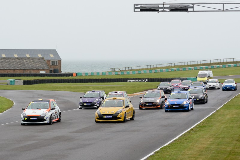 BEN PALMER EXTENDS RACE SERIES ADVANTAGE WITH ANGLESEY BRACE