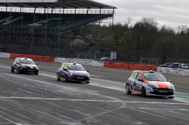 SIMON FREEMAN STRIKES LATE TO WIN FINAL RACE AT SILVERSTONE