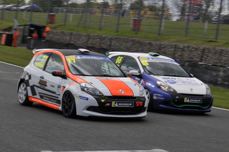 SIMON FREEMAN EDGES OUT PHOTO FINISH TO WIN SECOND BRANDS HATCH CONTEST - Click here to view this news entry